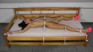 Creak Bed - Nicolette [Eng]