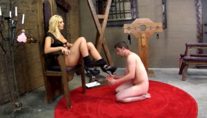 Mean Facesitters Pt.1 [Charley Chase,Fetish,FemDom][Eng]