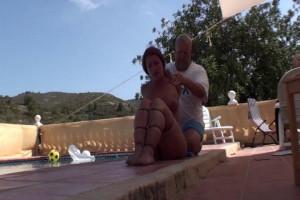 Pool Side ZipTie Hogtie [2019,Bondage,torture,Rope][Eng]