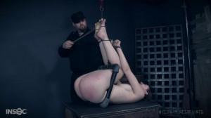 Sosha Belle finds a new life in bondage [2017,Sosha Belle,Metal Bondage,Vibrator,Spanking][Eng]
