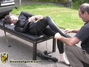 Inverted and Zapped [2010,cinch straps,collars,catsuits][Eng]