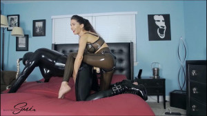 Strapon Fucking on the Bed [2020,Strapon,Femdom,Pegging][Eng]