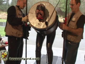 Canned Fayth [2008,catsuits,punishment,head bondage][Eng]