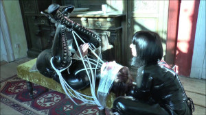 Roped latex [2017,Extreme,Bondage,Humilation][Eng]
