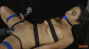 18 Year Old Has Non Stop Orgasms [2017,Roped,Bondage][Eng]
