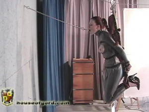 The Flying Gag Gig [2009,suspension,catsuits,high heels][Eng]