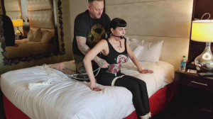 Sarah Brooke is neck roped to her elbows [2018][Eng]