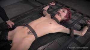 Cadence Cross Isn't Allowed To Cum No Matter How Much She Tries. [2014,Rope Bondage,Torture,BDSM][Eng]
