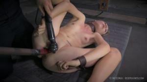 Humiliating Bondage and Intense Orgasms Are Just Right For Emma Haize [2014,Bondage,Torture,Rope Bondage][Eng]