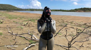 Latex in Bonaire [2019,Alterpic][Eng]