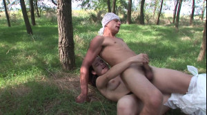 Nerdy dude loves to feel big dildo in his ass [Heatwave,Erica Venus,Fem Dom,Fetish,Outdoor][Eng]