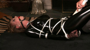 Black latex [2015,Bondage,Tied][Eng]
