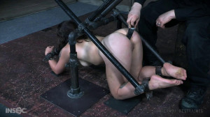 The Device Bondage Tess Is Put In Is Diabolical! [2017,Submission,BDSM,Torture][Eng]