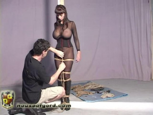 Summer brings Zena to life [2009,whipping,high heels,catsuits][Eng]