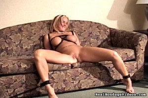 Tiny Teen Obligated to Her Knees [Eng]