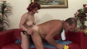 Slut fucks nasty guy with big strap-on [Heatwave,NA,Fem Dom,Sex Toys,Mature][Eng]
