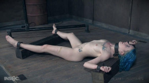 Lux turns into an obedient masochist! [2017,Lux Lives,BDSM,Humiliation,Metal Bondage][Eng]