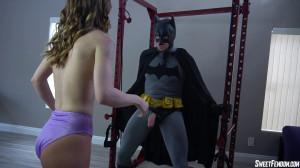 Pepper Hart Gets Batman's Balls [2021,Pepper Hart,Emasculation,Cum Eating,Pantyhose][Eng]