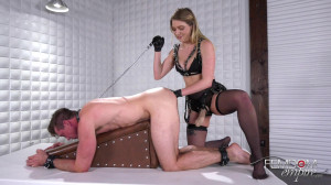 Deep Strap Fuck From Giselle Palmer [2018,Giselle Palmer,Anal Fisting,Stockings,Anal][Eng]