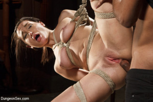 Chained, Tied, and Ass Fucked with a Massive Cock! [DungeonSex.com,Gabriella Paltrova][Eng]