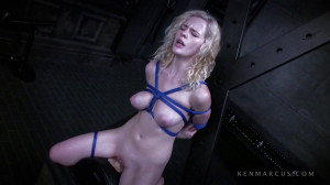 Catie Rides The Sybian [Eng]