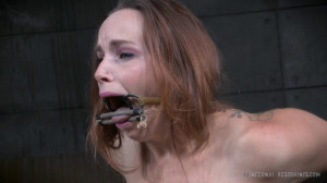 Bella Rossi is brutally fucked while bound in a extreme pile driver, huge cock massive orgasms! [2021,Bella Rossi,Metal Bondage,Finger Fucking,Shackles][Eng]
