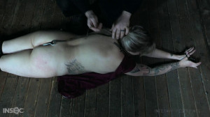 Thumbed - Aspen sees the versatility of thumb and toe cuffs [2021,Aspen O'Hara,Whipping,BDSM,Bondage][Eng]