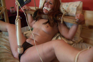 Stocked, Spread and Cumming [2019,Rope,torture,Bondage][Eng]
