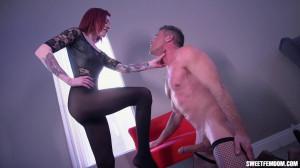 Fabiana Convinces Slave to Go Eunuch [2020,Fabiana Fox,Foot Worship,Emasculation,Teen Dommes][Eng]
