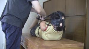GiGi: Leather strap hogtie on desk [2021,Rope,Bondage,BDSM][Eng]