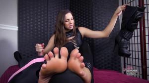 Sadie's Holmes feet demand cum [Eng]