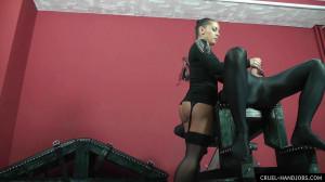 Dirty Handjob [2021,Mistress Lisa,Brunette,Handjob,Humiliation][Eng]