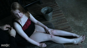 I Piss On Your Cunt [2020,Sonia Harcourt,Outdoor,Toys,Pissing][Eng]
