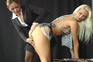 Mistress Maxine meets Nikki for her first interview [Eng]
