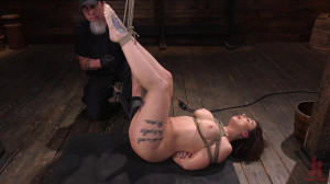 Curvy Slut in Bondage Tormented and Made to Cum [2020,Ivy LeBelle,BDSM,Feet,Domination][Eng]