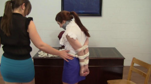 Gianna Love and Elizabeth Andrews - Promoting the Intern [2021,Rope,BDSM,Bondage][Eng]