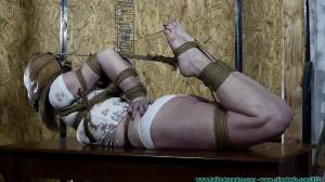 Terra Crotch Roped [2021,Bdsm,Bondage,Punishment][Eng]