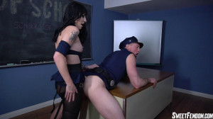 Cop School Ass Fucking Part 1 [2021,Charlotte Sartre,Tattoos,Strap On - Pegging,Goth Girls][Eng]