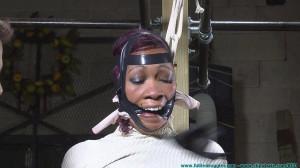HD Bdsm Sex Videos The Vigilante Lures and Captures Sass Part 1 [FutileStruggles,Did ,Bondage ,Ebony ][Eng]