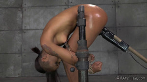 Skin Diamond Gets It As Hard And Rough As She Craves In Strict Bondage [2014,Torture,Bondage,Domination][Eng]