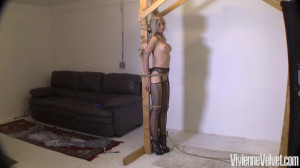 Vivienne is dressed up super sexy in her stockings [2021,Rope,BDSM,Bondage][Eng]