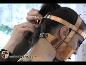 Standing Trainer Pole [2017,House of Gord,Natalie Minx Lydia McLane,head bondage,punishment,penetration][Eng]