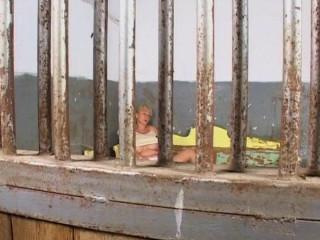Jail pounding services