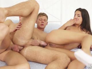 Kinky Bi Threesomes