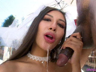Interracial Blowjob From Sexy Bride Gianna Dior
