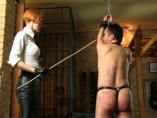 Dominatrix Liza - Hard Whipping In The Chamber - Full HD 1080p