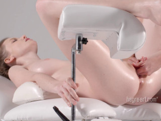 Emily Bloom - Full Figure Orgasm Massage