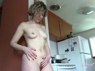 Housewife Tess Cleans, and Gets Dirty, In the Kitchen