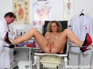 Buttfuck buttplug examination of huge-chested Milf Ameli Monk