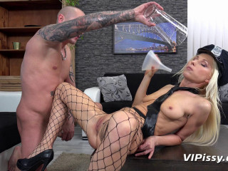 Vanessa Hell - Striptease At Home